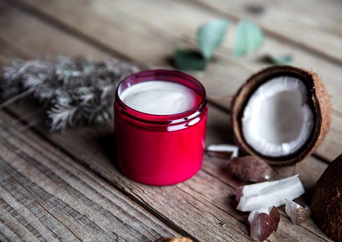 naturalne kosmetyki ujędrniające biust